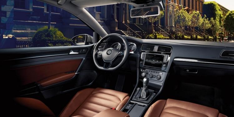 Her hafta farklı bir Volkswagen, 2 sıkı YOYO'cuya tüm haftasonu ücretsiz!